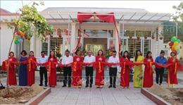 Trao tặng Thư viện xanh và Tủ sách Đinh Hữu Dư cho học sinh vùng khó khăn ở Nghệ An