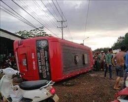 Bình Phước: Lật xe khách, nhiều hành khách bị thương