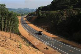 Cao tốc La Sơn - Túy Loan chưa hoàn thiện, nhiều phương tiện vẫn lưu thông