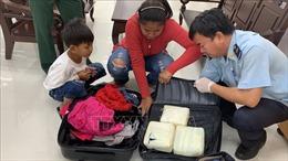 Phát hiện, thu giữ gần 5 kg ma túy giấu trong hành lý nhập cảnh