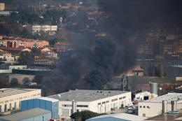 Cháy lớn tại nhà máy tái chế chất thải công nghiệp