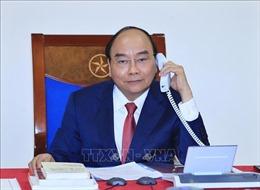 Thủ tướng Nguyễn Xuân Phúc điện đàm với Thủ tướng Nga Dmitry Medvedev