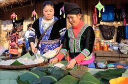 Trình diễn các món ẩm thực dân tộc đón chào Năm mới