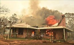 Australia triển khai chiến dịch tiếp cận hàng nghìn người bị mắc kẹt do cháy rừng
