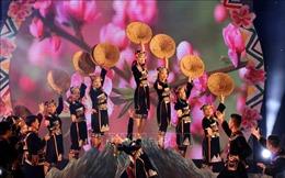 Bế mạc Lễ hội Ném còn ba nước Việt - Lào - Trung và đón chào năm mới
