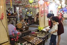 Khai mạc chợ hoa Tết truyền thống Hàng Lược