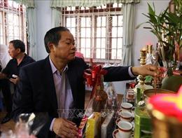 Phó Chủ tịch Quốc hội Đỗ Bá Tỵ thăm, chúc Tết gia đình các đồng chí nguyên lãnh đạo Ðảng, Nhà nướctại TP Hồ Chí Minh