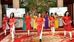 Đượm sắc màuTết cổ truyền Việt Nam tại Trung Quốc