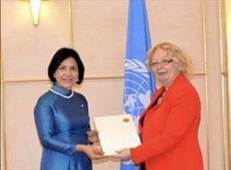 Đại sứ Lê Thị Tuyết Mai trình Quốc thư lên Tổng Giám đốc Văn phòng Liên hợp quốc