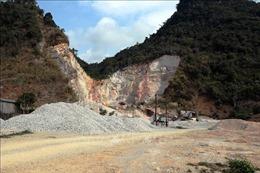 Tạm giữ nhiều phương tiện khai thác đá trái phép ở Phú Thọ