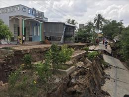 Sụt lún nghiêm trọng, chia cắt tuyến đường về xã đảo Khánh Bình Tây, Cà Mau