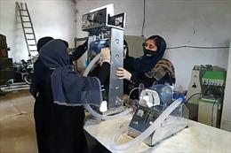 Nhóm nữ sinh Afghanistan chế tạo máy thở từ các bộ phận xe ô tô cũ