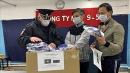 Tiếp tục lan tỏa phong trào tặng khẩu trang của người Việt tại LB Nga