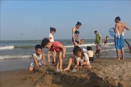 Thanh Hóa cho phép mở dịch vụ tắm biển tại các bãi tắm công cộng