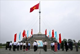 Lễ Thượng cờ Thống nhất non sông tại Đôi bờ Hiền Lương - Bến Hải