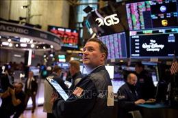 Chứng khoán thế giới hầu hết đi xuống sau quyết sách mới của Fed