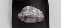 Angola tìm thấy viên kim cương nặng 171 carat