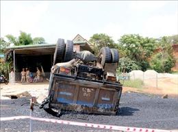 Xe tải đi lùi tông xe máy và xe công nông, một người tử vong