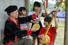 Người cựu chiến binh đam mê truyền thụ tình yêu âm nhạc dân tộc