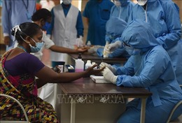 Ấn Độ ghi nhận trên 10.000 ca mắc COVID-19 trong một ngày