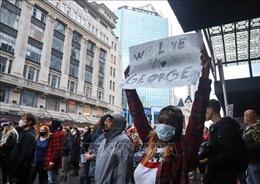 Biểu tình chống phân biệt chủng tộc bên ngoài Lãnh sự quán Mỹ tại New Zealand