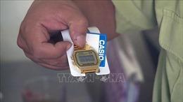 Tạm giữ 5.400 đồng hồ đeo tay không có hóa đơn, chứng từ
