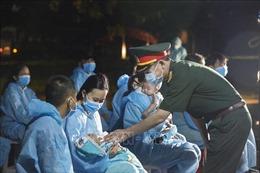 Hoà Bình tiếp nhận, cách ly 80 công dân Việt Nam từ Angola trở về