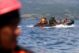 Đắm thuyền tại Indonesia, 9 ngư dân mất tích