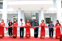 Phó Chủ tịch Thường trực Quốc hội Tòng Thị Phóng dự lễ khánh thành trạm y tế xã Xuân Nha, Sơn La