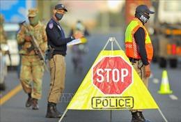 Nam Phi cảnh báo người dân chuẩn bị cho giai đoạn tồi tệ nhất của dịch COVID-19