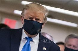 Tổng thống Mỹ bất ngờ tuyên bố: Đeo khẩu trang là 'yêu nước'