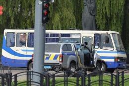 Giải cứu thành công các con tin trên xe khách ở Ukraine