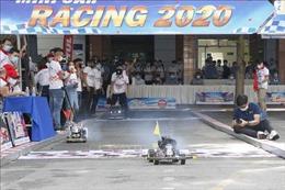 Sinh viên tranh tài tại Cuộc đua xe ô tô mô hình tự chế