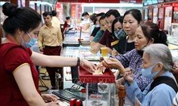 Giá vàng lập đỉnh mới: Lượng giao dịch mua bán có xu hướng tăng