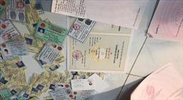 Phát hiện và bắt giữ các đối tượnglàm giấy tờ giả