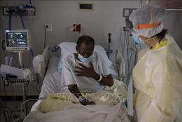 Mỹ ghi nhận trên 5,8 triệu bệnh ca mắc COVID-19