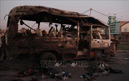Nổ bom xe buýt tại Afghanistan khiến hàng chục dân thường thiệt mạng