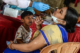Nan giải bài toán phá vỡ chuỗi lây nhiễm COVID-19 ở Ấn Độ