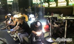 Kiểm tra quán bar New Club, phát hiện 102 người dương tính với ma túy