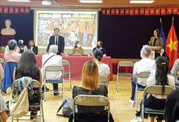Thanh niên Việt kiều tại Pháp ủng hộ nạn nhân chất độc da cam dioxine Việt Nam