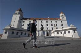 Chính phủ Slovakia triển khai quân đội hỗ trợ chống dịch COVID-19