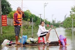 Nỗ lực cứu trợ người dân vùng lũ Hà Tĩnh