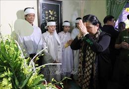 Chia sẻ với những mất mát của người dân vùng lũ Thừa Thiên - Huế