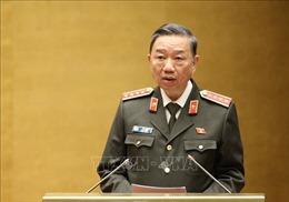 Bộ trưởng Bộ Công an Tô Lâm trình bày Tờ trình về dự án Luật Lực lượng tham gia bảo vệ an ninh, trật tự ở cơ sở