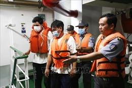 Vụ tàu cá bị chìm tại Bình Định: Đã cứu được 3 ngư dân trôi dạt trên biển