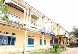 Nhiều điểm trường ở Quảng Ngãi vẫn ngổn ngang, các khối lớp học luân phiên