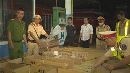Đắk Lắk: Bắt quả tang đối tượng vận chuyển 22.000 bao thuốc lá lậu