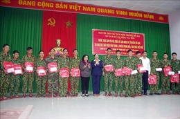 Nguyên Phó Chủ tịch nước Trương Mỹ Hoa thăm lực lượng cứu nạn tại Thủy điện Rào Trăng 3