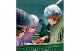 Cứu sống bệnh nhân bị dao đâm xuyên tim