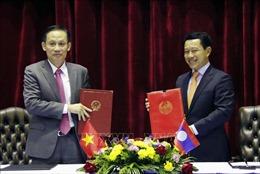 Việt Nam – Lào xem xét nối lại thông quan hàng hóa trên toàn tuyến biên giới